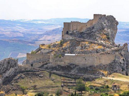 Mussomeli e il castello incantato